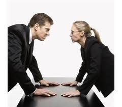 brigas no trabalho