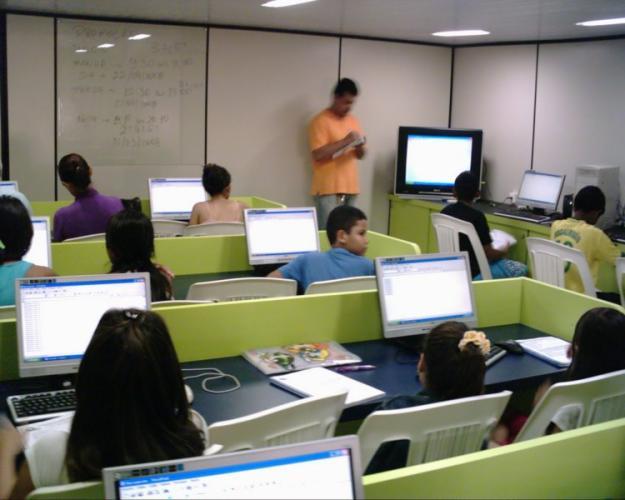 como montar escola de informatica